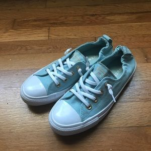 Like New Converse Chuck Taylors Low Tops
